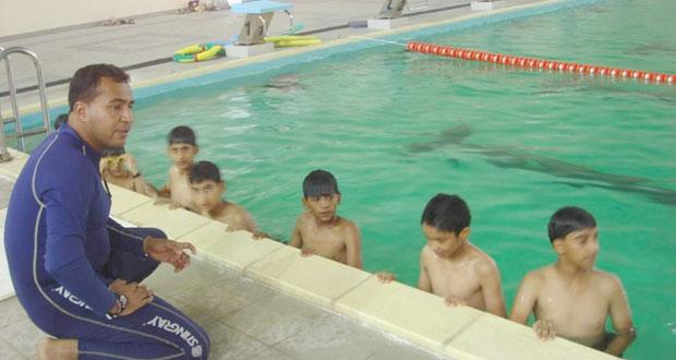 في فعاليات برنامج صيف الرياضة تخصيص أيام مفتوحة بمرافق المجمع الرياضي بنـزوى