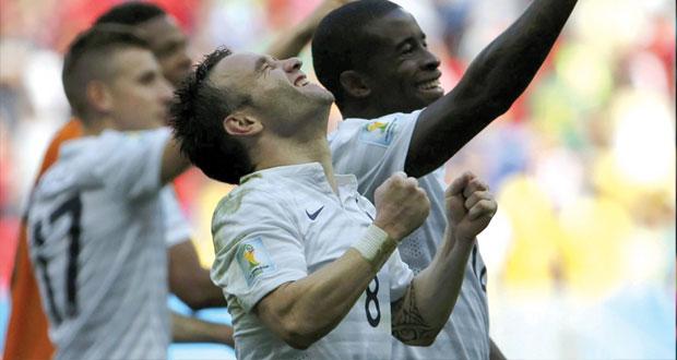 ديوك فرنسا تكسب نسور نيجيريا في الأمتار الأخيرة