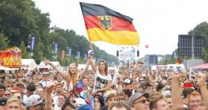 الألمان يتوافدون للاحتفال باستقبال أبطال العالم