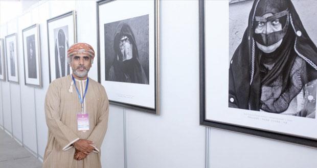 أحمد البوسعيدي عضو لجنة تحكيم مهرجان الصين الدولي السادس عشر لفن التصوير الضوئي