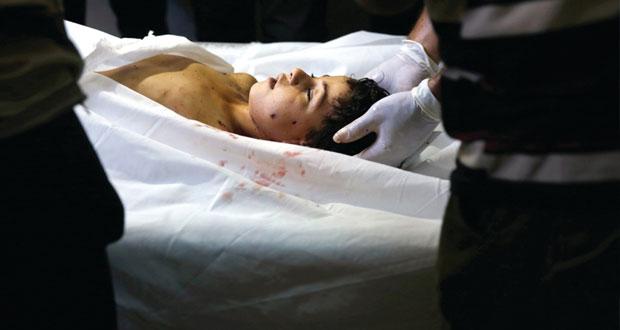 إسرائيل تَنقُض (الهدنة الإنسانية) وعشرات الضحايا بقصف على منازل الفلسطينيين