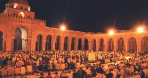 رمضان إنْ ولىَّ فدِينُك باقٍ