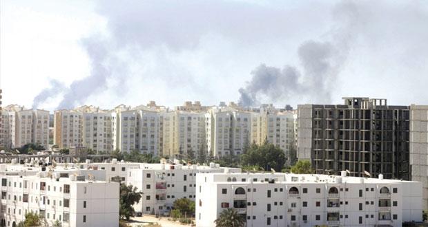 ليبيا: مقتل 20 في اشتباكات بنغازي والجزائر تغلق ممرات جوية أمام طائرات طرابلس