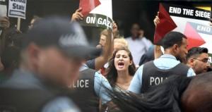 استشهاد فلسطيني وإصابة العشرات بقمع سلطات الاحتلال لفعاليات التضامن مع غزة