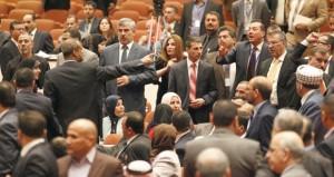 العراق: البرلمان يفشل فـي انتخاب رئيس له والقذائف تصل لسامراء