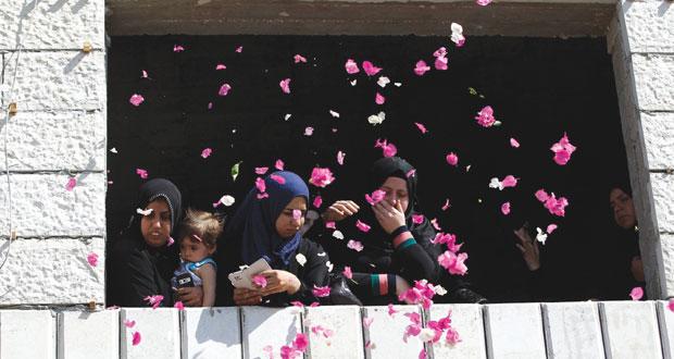 العدوان على غزة: الفلسطينيون يطالبون بجسور للمساعدات والاحتلال يلوح باجتياح جديد