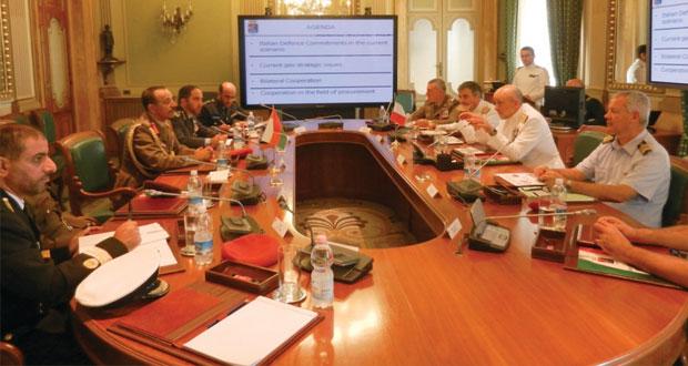 أحمد النبهاني يلتقي عددا من المسؤولين العسكريين الإيطاليين
