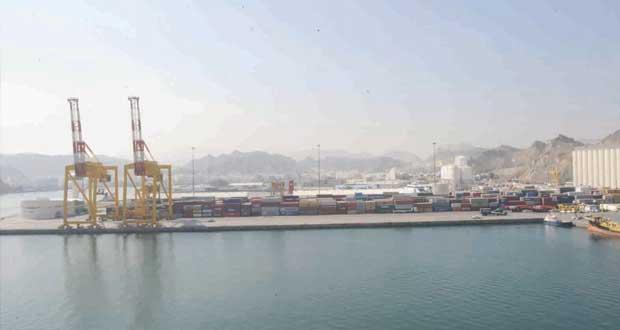 أكثر من 2.8 مليون طن إجمالي البضائع المفرغة والمشحونة بميناء السلطان قابوس بنهاية الربع الأول من العام الجاري