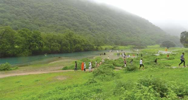 """رئيس بلدية ظفار: قريبا وضع اللمسات الأخيرة لمشروع """" التلفريك"""" وطرح مناقصة مشروع الحديقة المائية"""