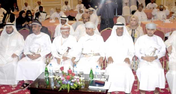 """مؤتمر """"التحكيم في عقود النفط والإنشاءات الدولية"""" يناقش المنازعات بالقطاع"""
