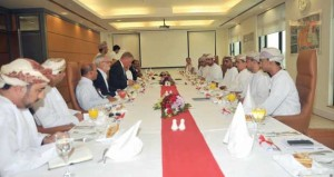 """الغرفة تطالب """"ميناء صحار"""" النظر باهتمام لمطالب القطاع الخاص المستمرة حول أداء الميناء"""