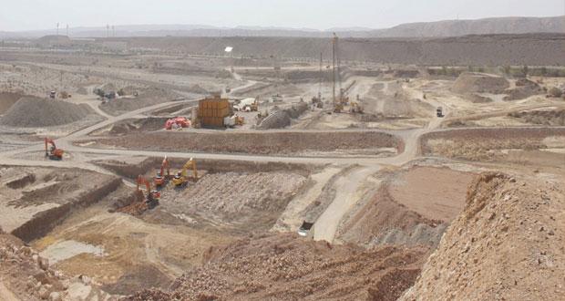 وزير البلديات الإقليمية وموارد المياه : أكثر من (68) مليون ريال عماني لمشاريع الطرق المسندة خلال النصف الأول من العام الجاري بطول يتجاوز (800) كيلومتر