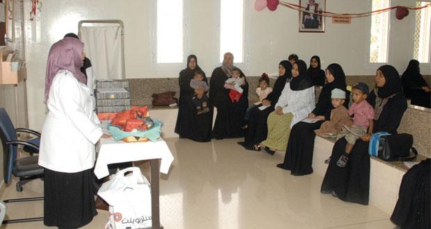 المرأة العمانية .. دور بارز ومتواصل في خدمة الوطن ومسيرته التنموية في مختلف المجالات
