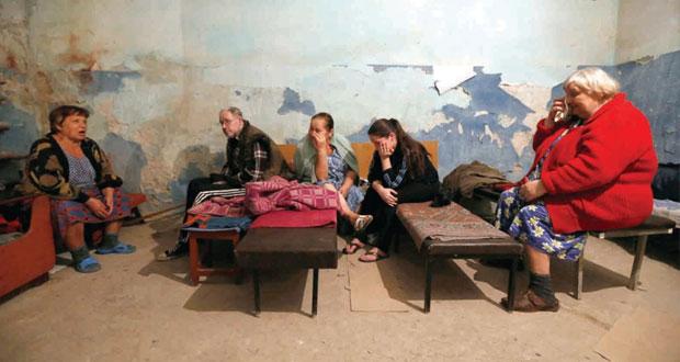 أوكرانيا : الجيش يقصف دونيتسك بالمدفعية الثقيلة ويدعو الانفصاليين لإلقاء السلاح