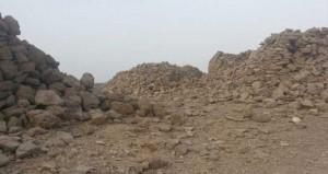 مدافن أثرية مهجورة ببلدة حلبان بنخل وتفتقر لأبسط الخدمات لحفظها من العبث