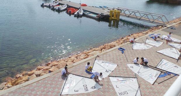 انطلاق بطولة الأوبتمست الوطنية للناشئين بصور برعاية من النقل البحري