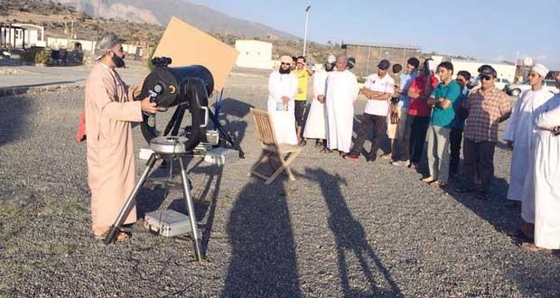 الجمعية الفلكية العُمانية تقيم مخيمها الفلكي الثامن بجبل شمس