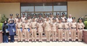 معهد تدريب الضباط يختتم دورتين تدريبيتين