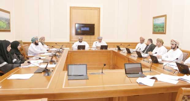 قانونية الشورى تناقش قانوني الجمارك والجزاء العماني