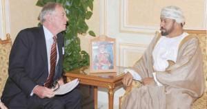بدر بن سعود والشريقي والراسبي يستقبلون وكيل وزارة الدفاع البريطانية