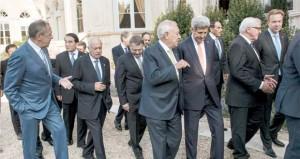 مؤتمر باريس: روسيا تعتزم مكافحة الإرهاب بدعم عسكري للعراق وسوريا