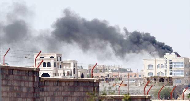 اليمن: الحوثيون يسيطرون على التليفزيون والحكومة تحظر التجول