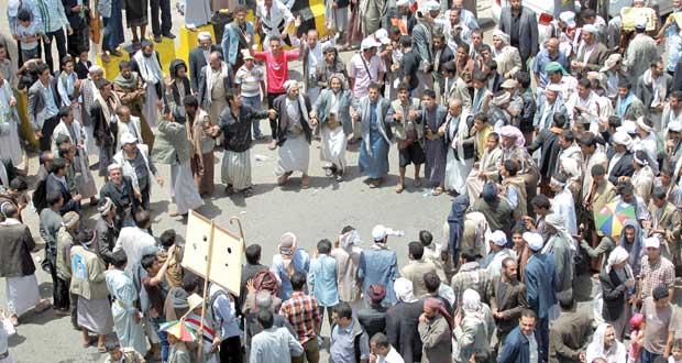 اليمن: هادي يشدد على مواجهة الاحتجاجات بـ(حزم)