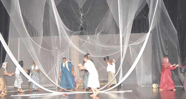 ختام حلقة عمل الفنون المسرحية وإعداد الممثل بمحافظة ظفار