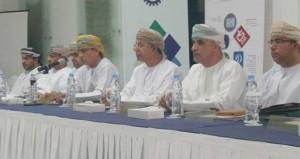 وكيل العمل يطلع على سير العمل والخدمات التي يقدمها مكتب عمل دبا في مجال تشغيل المواطنين في القطاع الخاص