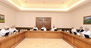 اللجنة الخاصة بالتشريعات المنظمة للأيدي العاملة تعتمد التقرير المبدئي لدراستها