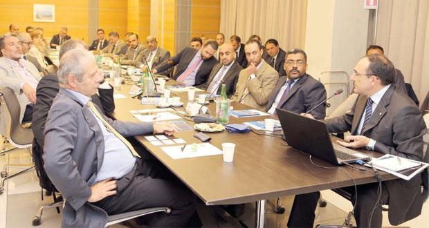 المسؤولون الإيطاليون ورجال الأعمال يتطلعون إلى الاستثمار في السلطنة