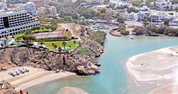 السلطنة تتجه لتحقيق معدلات نمو ايجابية في القطاع السياحي وتوقعات بـ12 مليون زائر في 2020