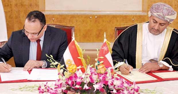 السلطنة توقع على مذكرة تفاهم فحص طلبات براءات الاختراع مع مكتب براءات الاختراع بمصر