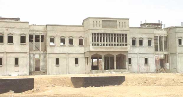 المديرية العامة للتربية والتعليم بالداخلية تبدأ العام الدراسي باستقبال 79264 طالباً وطالبة في 139 مدرسة