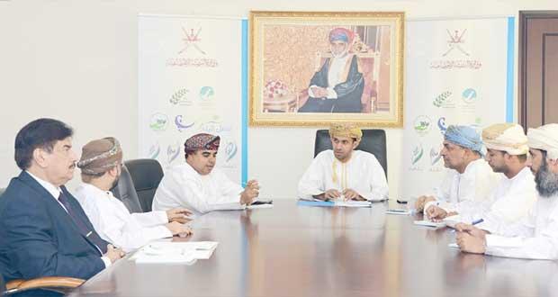 اجتماع لمناقشة الحملة الإعلامية ليوم التطوع وجائزة السلطان للعمل التطوعي