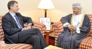 بدر بن حمد يستقبل مستشارا بالمفوضية الاوروبية