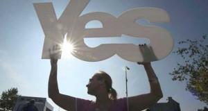 بريطانيا تحشد في اسكتلندا لمعركة رفض الاستقلال وترى الاستفتاء (كارثة)