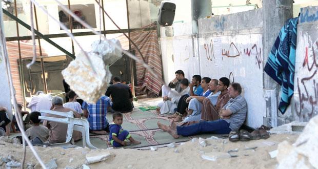 جيش الاحتلال يخترق الهدنة مجددا ويجرف شرق (خان يونس) ويمنع وفدا أمميا من رصد الانتهاكات