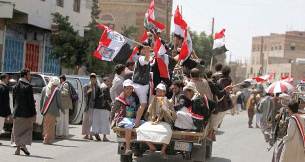 اليمن: الحوثيون يفرضون الخطب والأئمة .. و(القاعدة) تتوعد