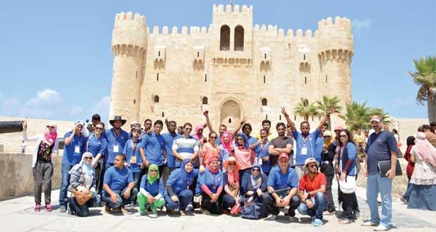 السلطنة تشارك بنجاح في فعاليات وجلسات المعسكر العربي التطوعي بمصر