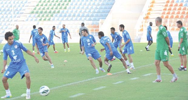 استعدادا لخليجي 22 : منتخبنا الوطني الأول يختتم معسكره القصير باستاد السيب بحضور 21 لاعبا