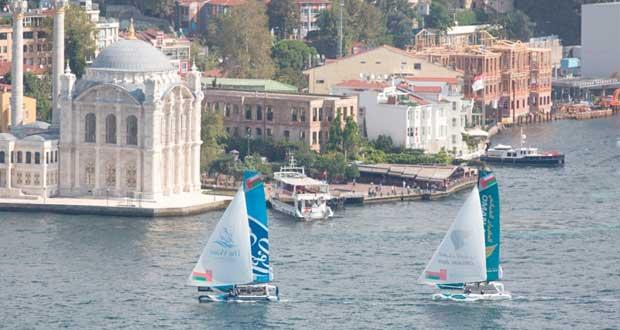 في الجولة السادسة باسطنبول.. قوارب عُمان للإبحار تحافظ على مراكزها في منافسات اليوم الثالث