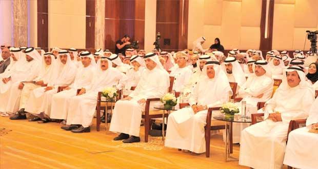 مشاركة إيجابية لشباب السلطنة في حلقة العمل الخليجية الثالثة بالبحرين الحلقة خرجت بالعديد من توصيات التي تصب بالاهتمام بالشباب الخليجي