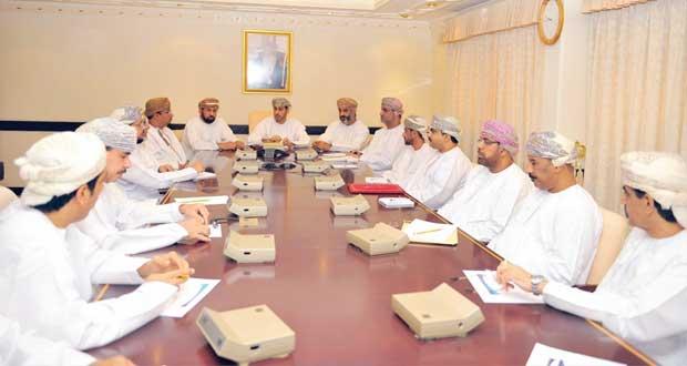 وزير الشؤون الرياضية يلتقي بمديري عموم ومديري الوزارة بالمحافظات