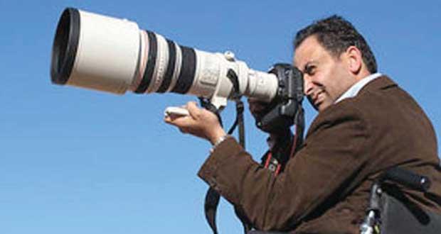 رصاصة طائشة حولت مصورا فلسطينيا إلى فنان وموثق للتاريخ والتراث