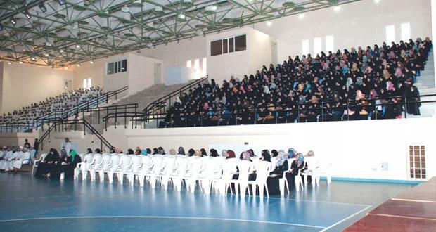 الكلية التقنية بنزوى تستقبل 630 طالباً في الدفعة الأولى من طلبة دبلوم التعليم العام للعام الجديد