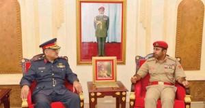 مطر البلوشي يستقبل رئيس هيئة التعليم العسكري بالكويت
