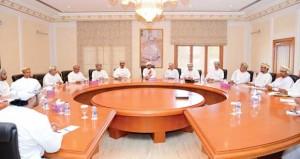 وزير البيئة يجتمع بمديري العموم ومديري الإدارات بالمحافظات