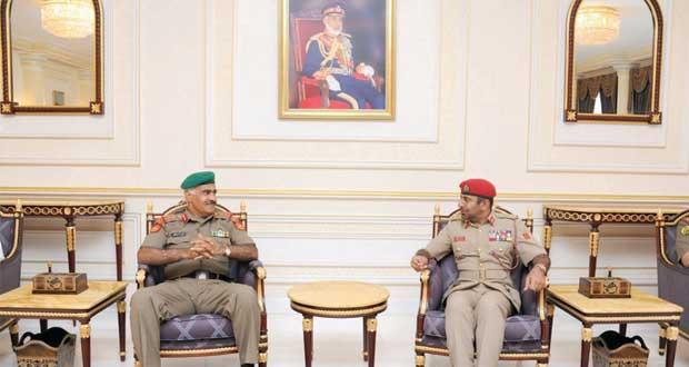 نائب رئيس الأركان العامة للجيش الكويتي يغادر البلاد