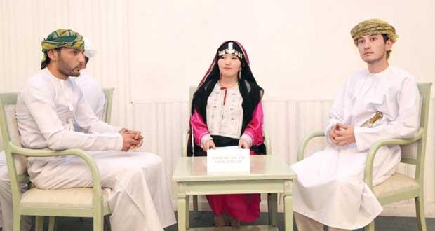 """فريق جامعة طشقند الإسلامية يفوز بالمسابقة الثقافية """"ماذا تعرف عن عمان"""" وفعاليات المعرض الوثائقي تختتم غدا"""